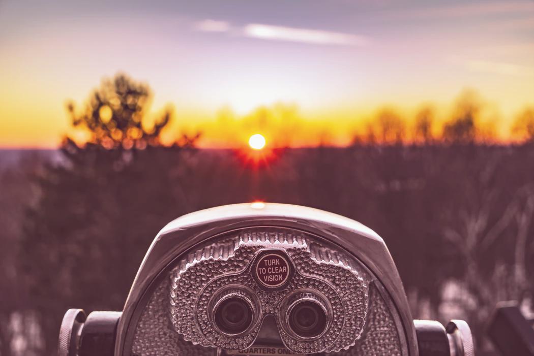 binoculars-tender